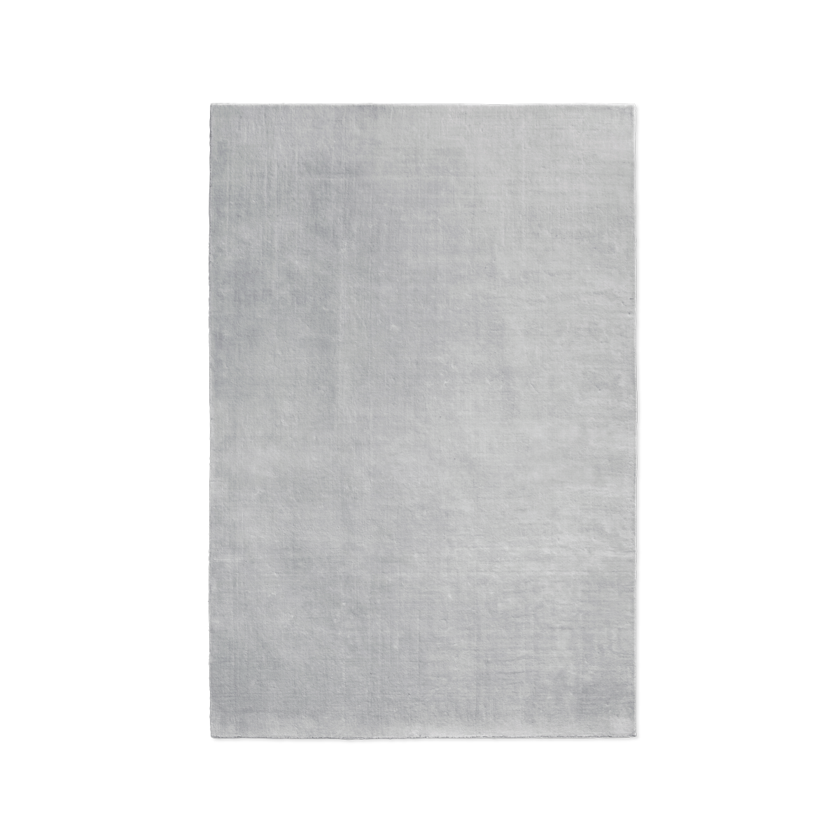 Product image of the plush rug Grand in the color Silver.