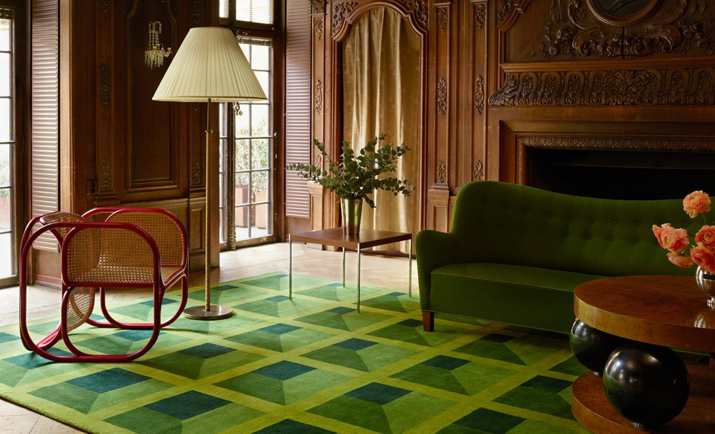 Garden Maze rug in a traditional gustavian Livingroom.