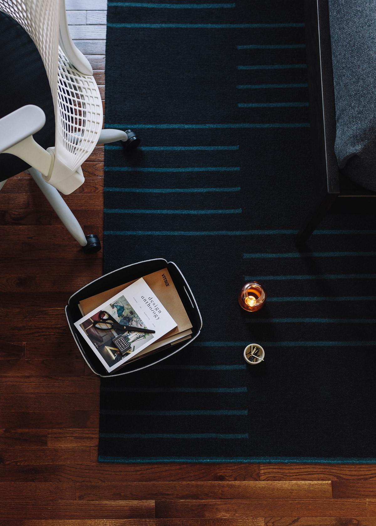 Flatweave rug Classic in color Teal and Black shown from above.