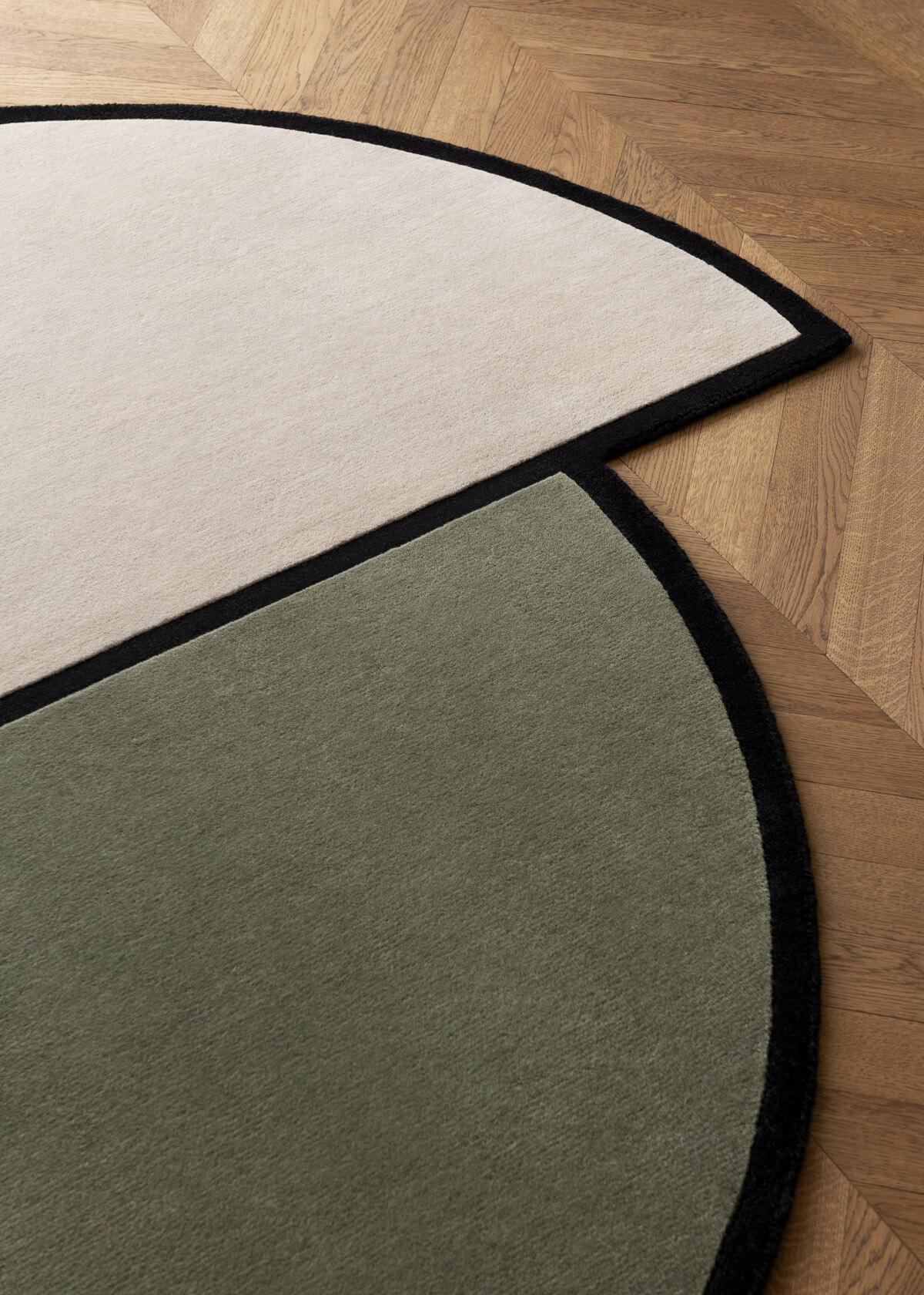 Close up of plush rug AML03.